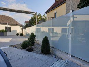 Sichtschutzlösung Sicherheitsglas mit Glass-Clips